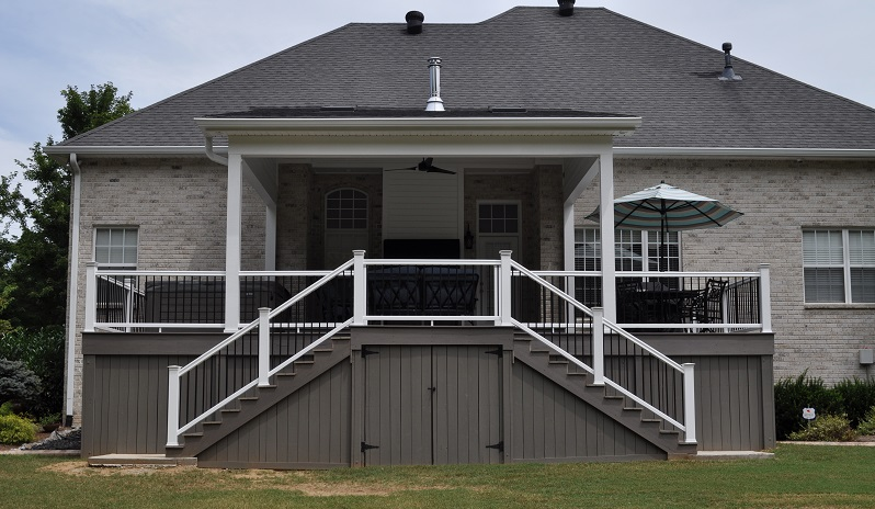 porch with white rails