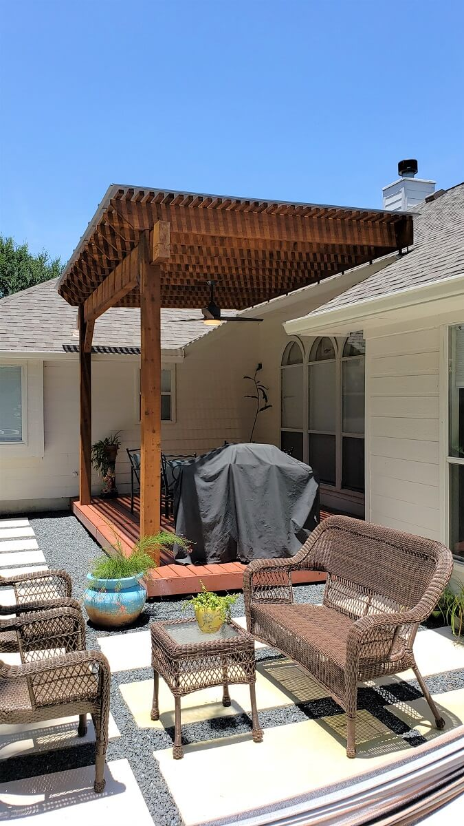 Side view of deck with pergola