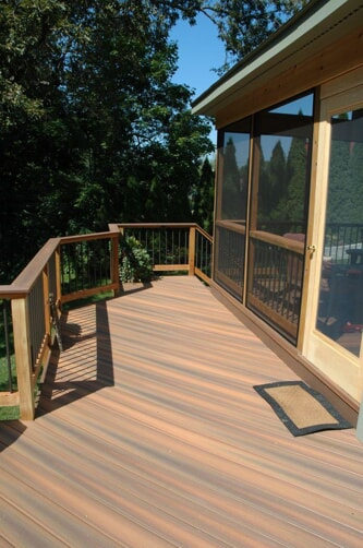 Fiberon Ipe deck and screened porch combination