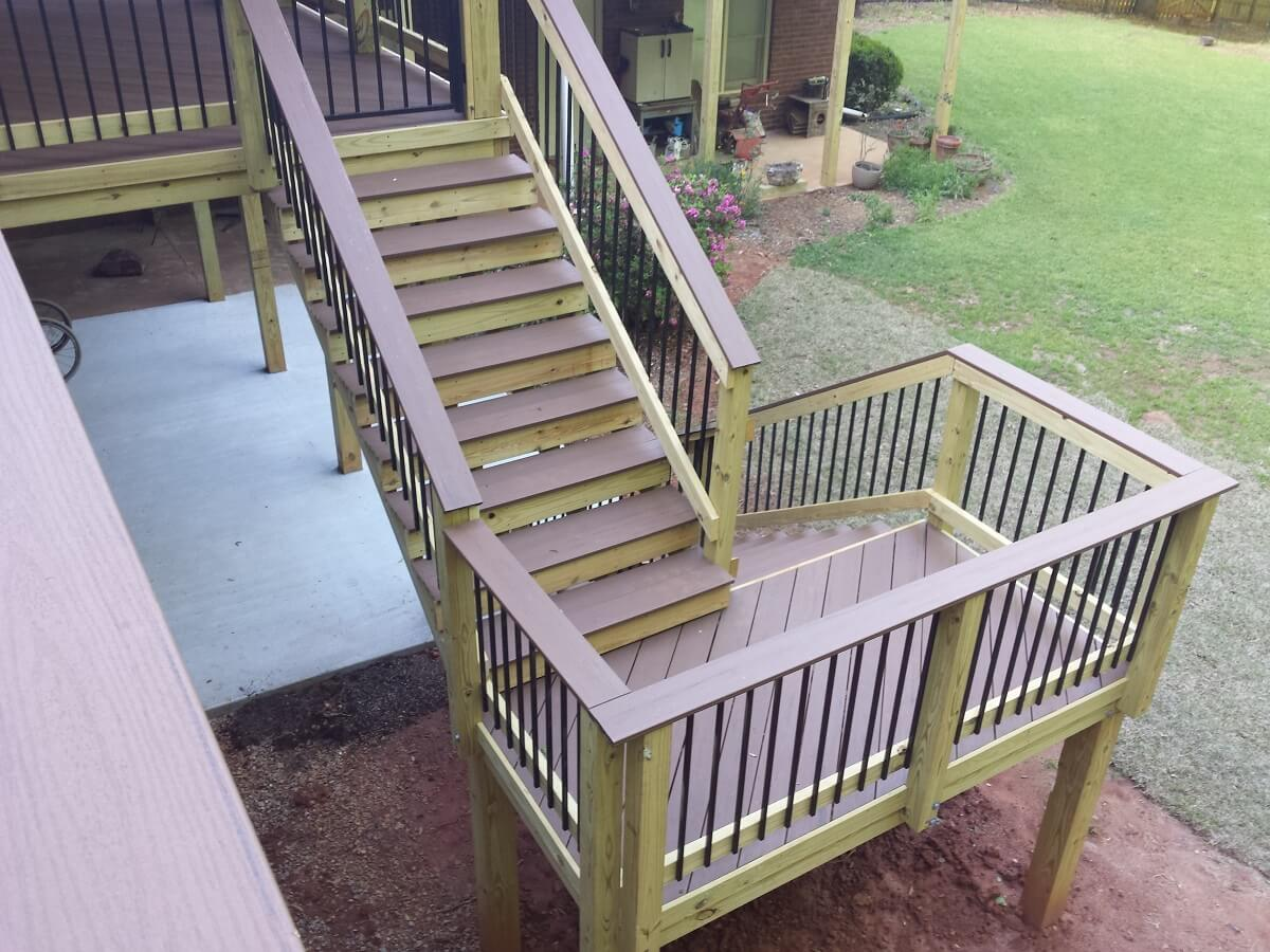 New deck staircase