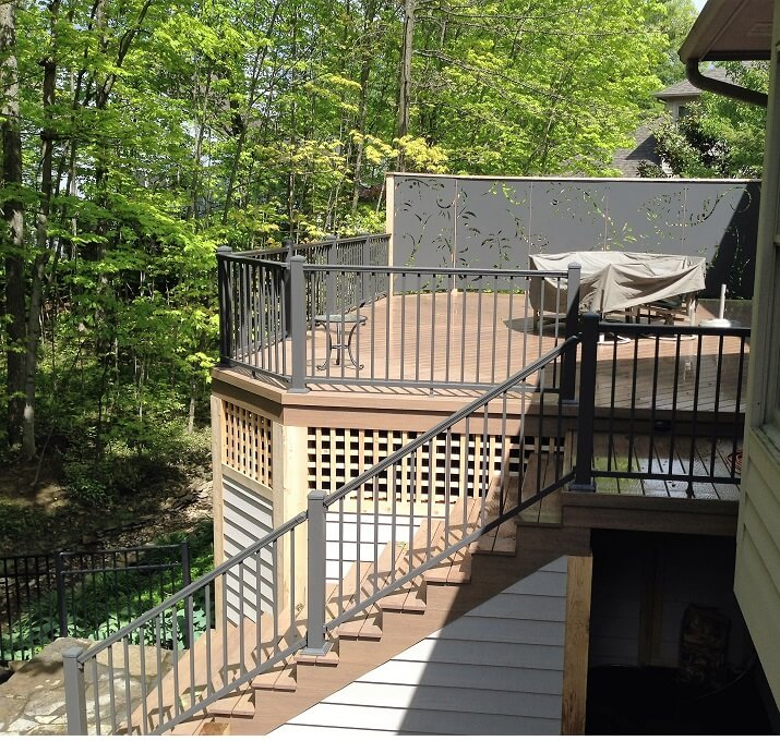 Custom deck with railing and staircase