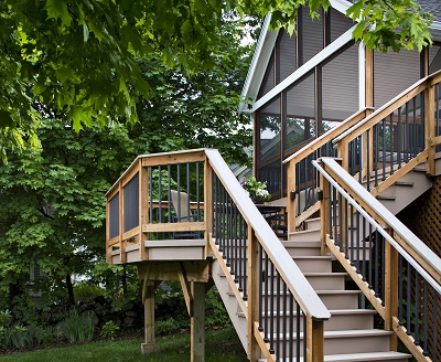 Steps to a deck and screened porch