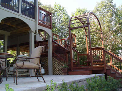 Deck with arched trellis