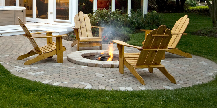 Custom built in patio with fire pit
