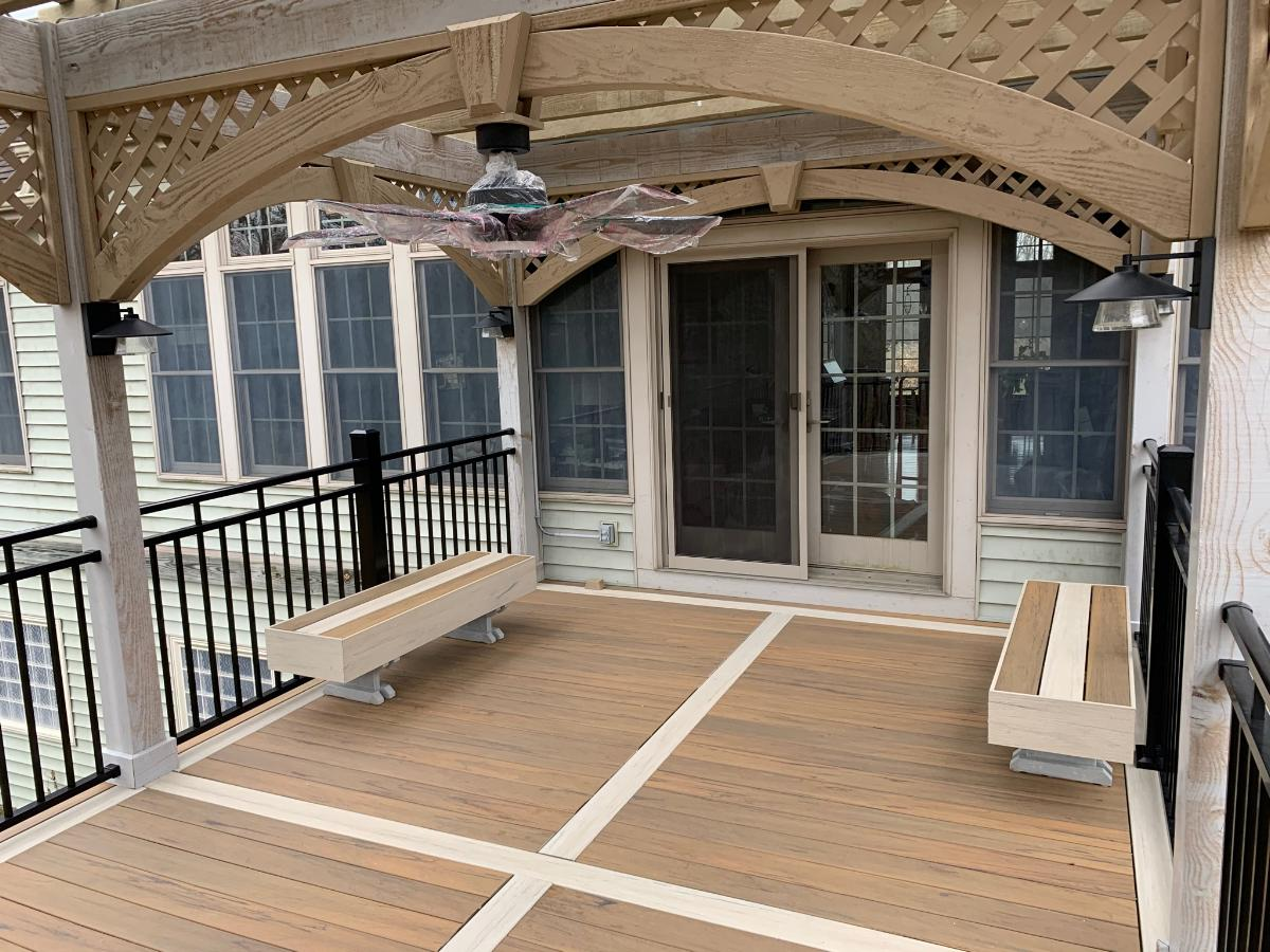 covered deck with fan