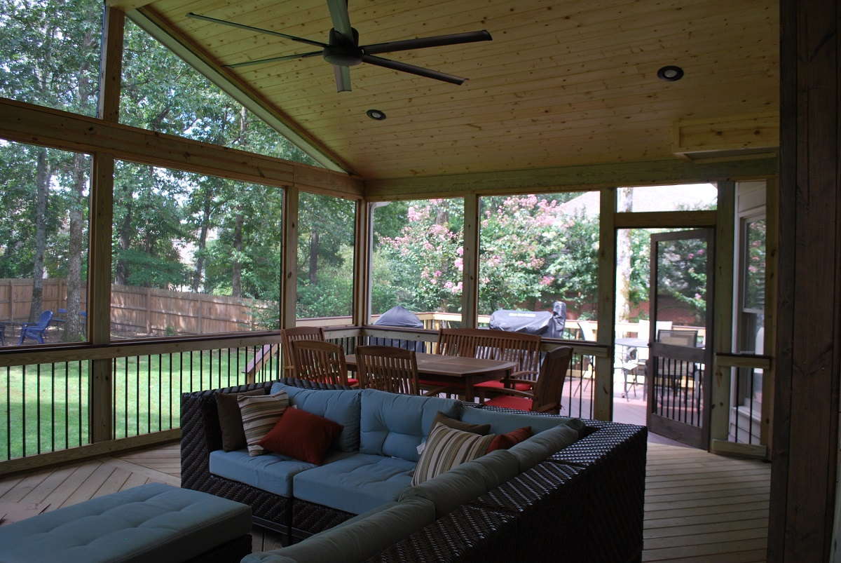Screen porch serves as an outdoor family room