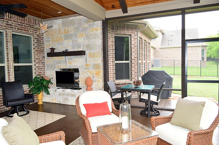 Warm And Inviting Covered And Screened Patio In Heath TX