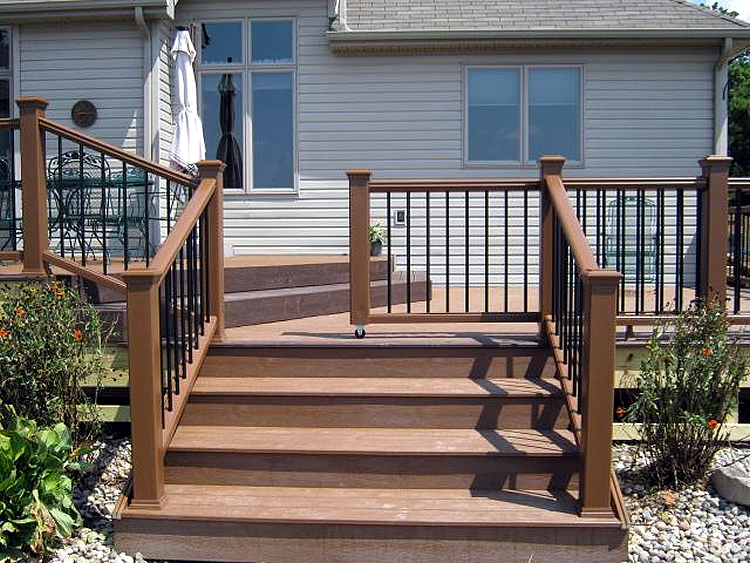 Composite deck with pet-friendly sliding gate