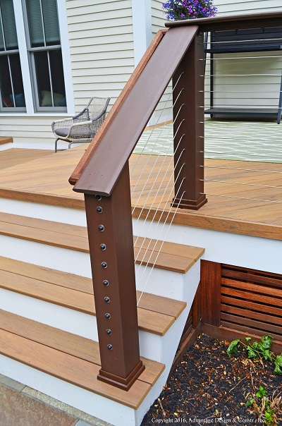 Deck with cable rail