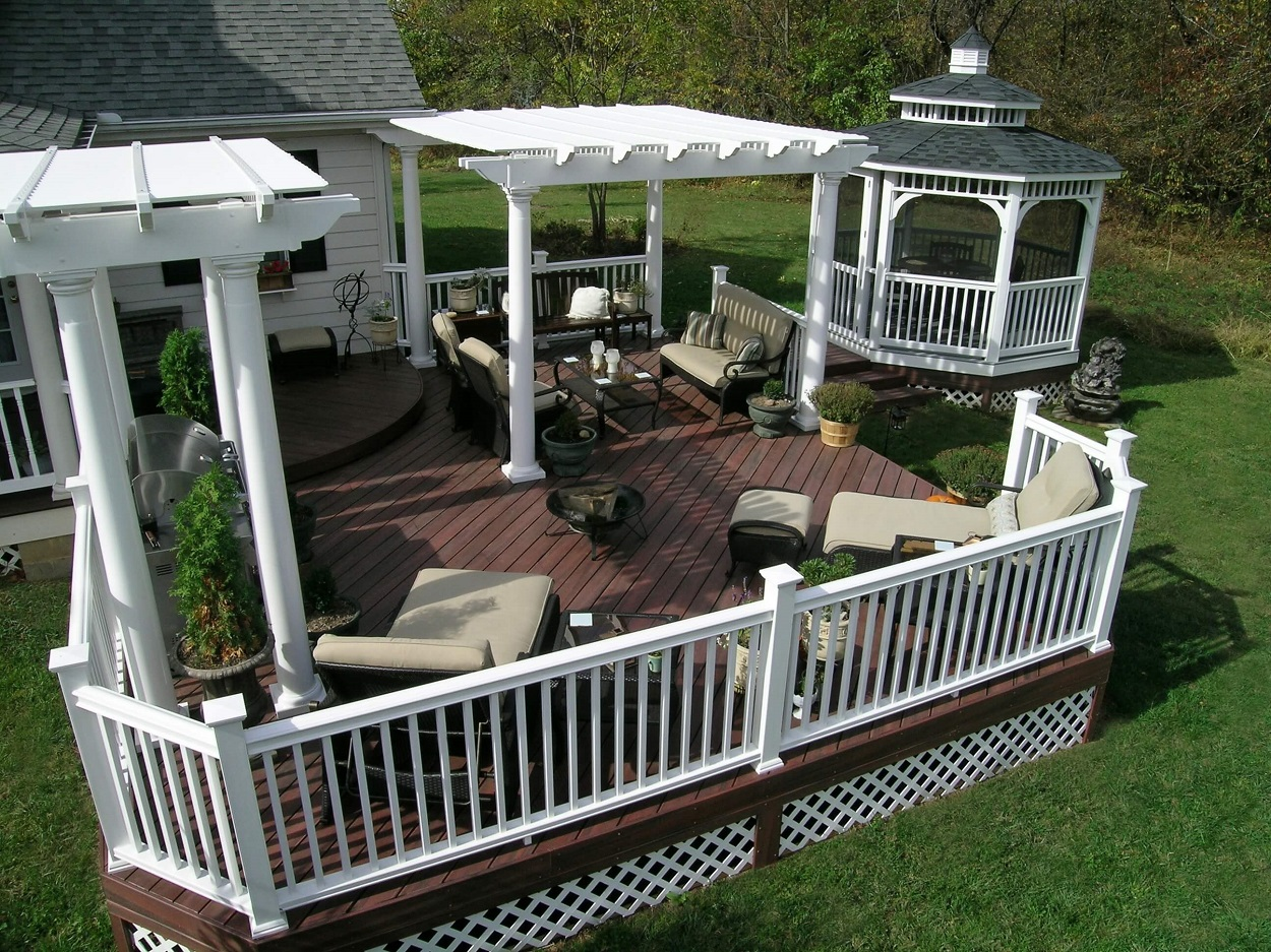 Fiberon composite deck with vinyl pergola and gazebo