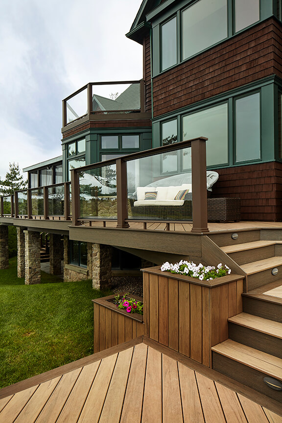 Custom contemporary deck